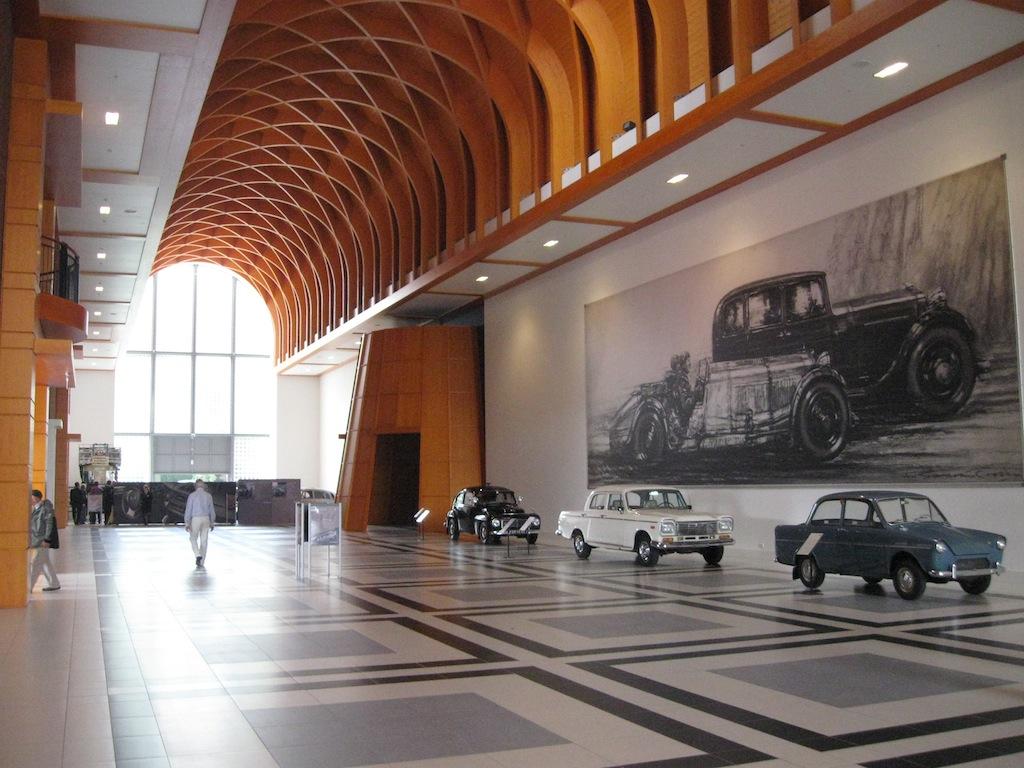 Gccc zoekt details klassiekers in louwman museum gay for Auto interieur reinigen den haag