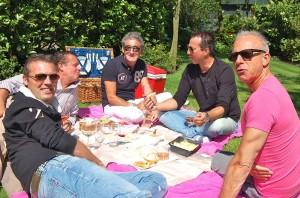 Veel roze en lekkernijen op de picknick!