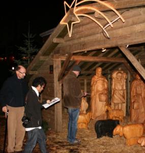 Zoeken naar het juiste puzzeldetail uit de kerststal