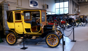 Vooroorlogse Ford's in museum te Hillegom